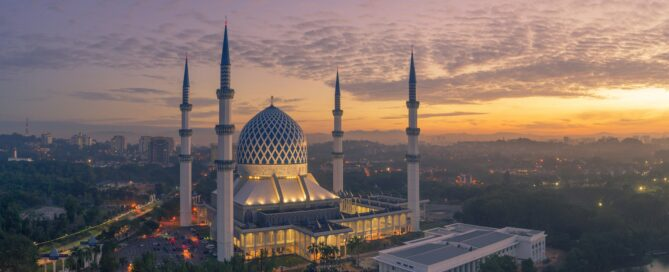 Mosque in Selangor Malaysia in the evening light
