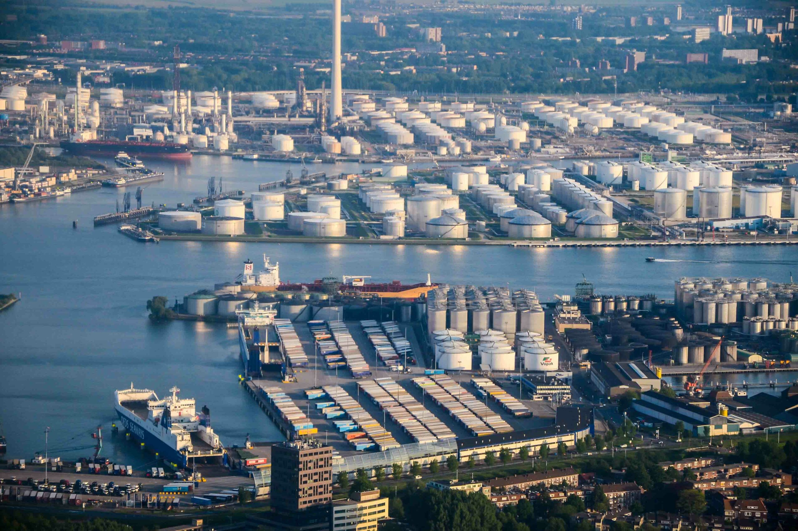 Steepest Decline in Cargo Volumes in more than a decade at Dutch Seaports Apollo Cargo Alliance